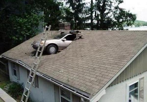 Car-Accident-With-On-Home-Roof-Funny-Picture